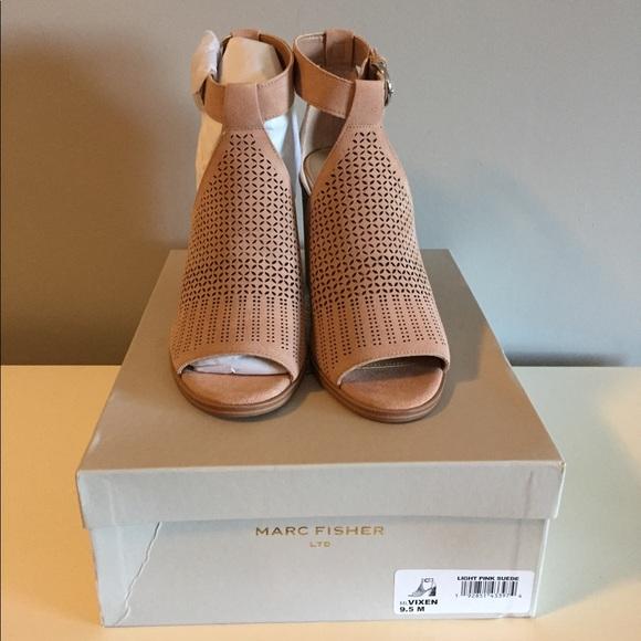 Marc Fisher Shoes - Marc Fisher block heel Vixen sandals nude 9.5